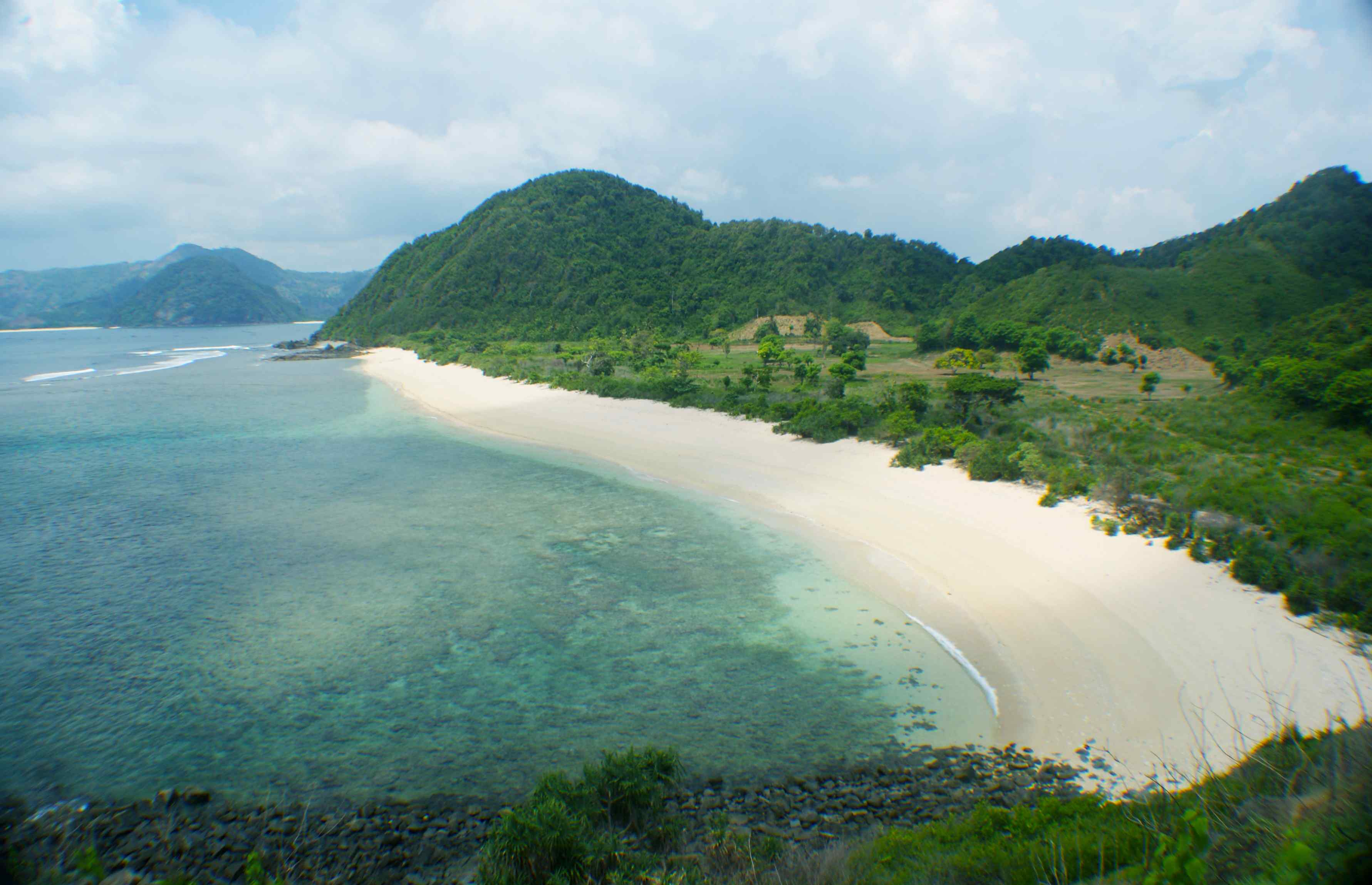 Click to enlarge image South_Lombok_Mawi_Beachfront_1.jpg