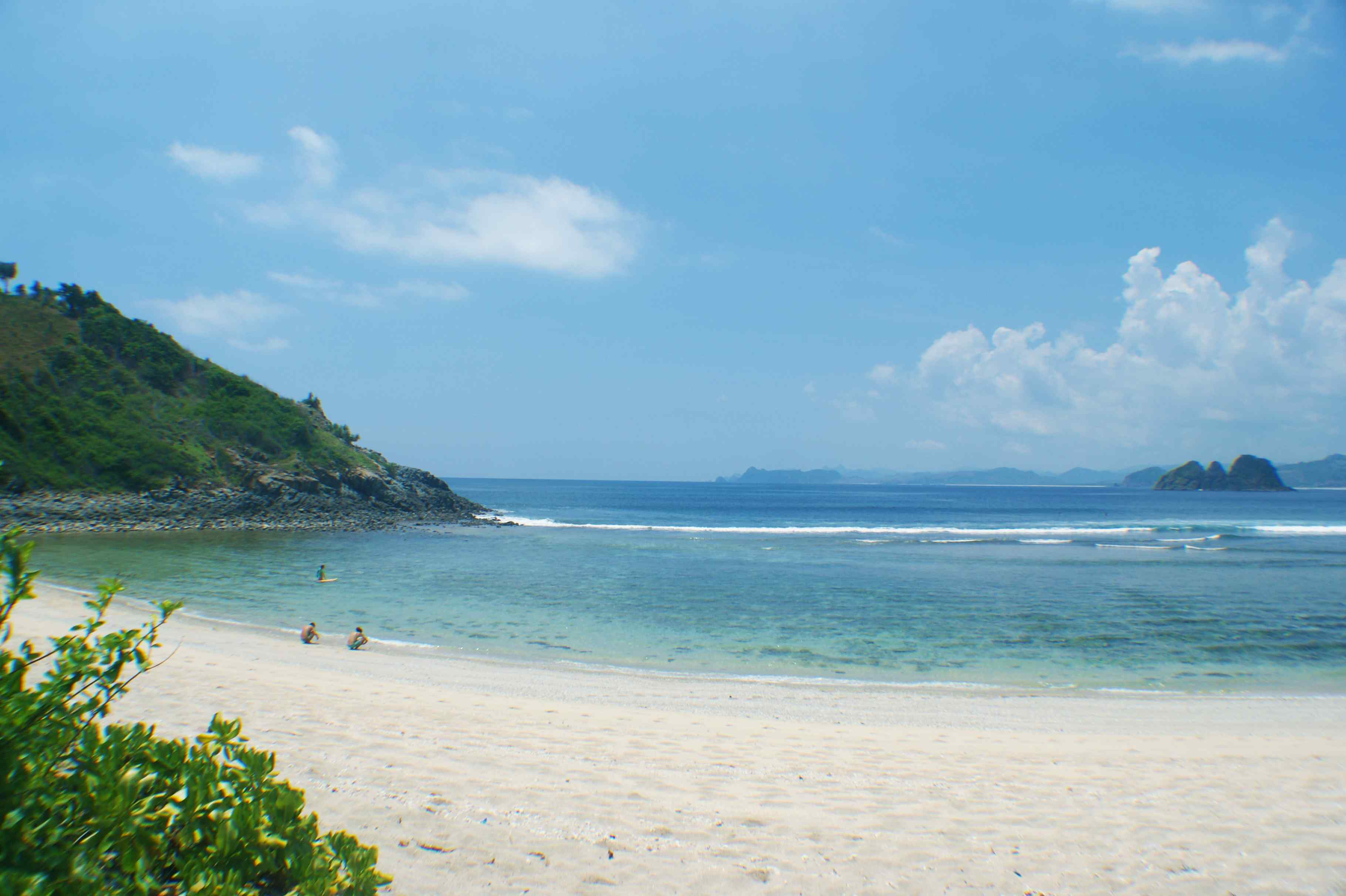 Click to enlarge image South_Lombok_Mawi_Beachfront_3.jpg