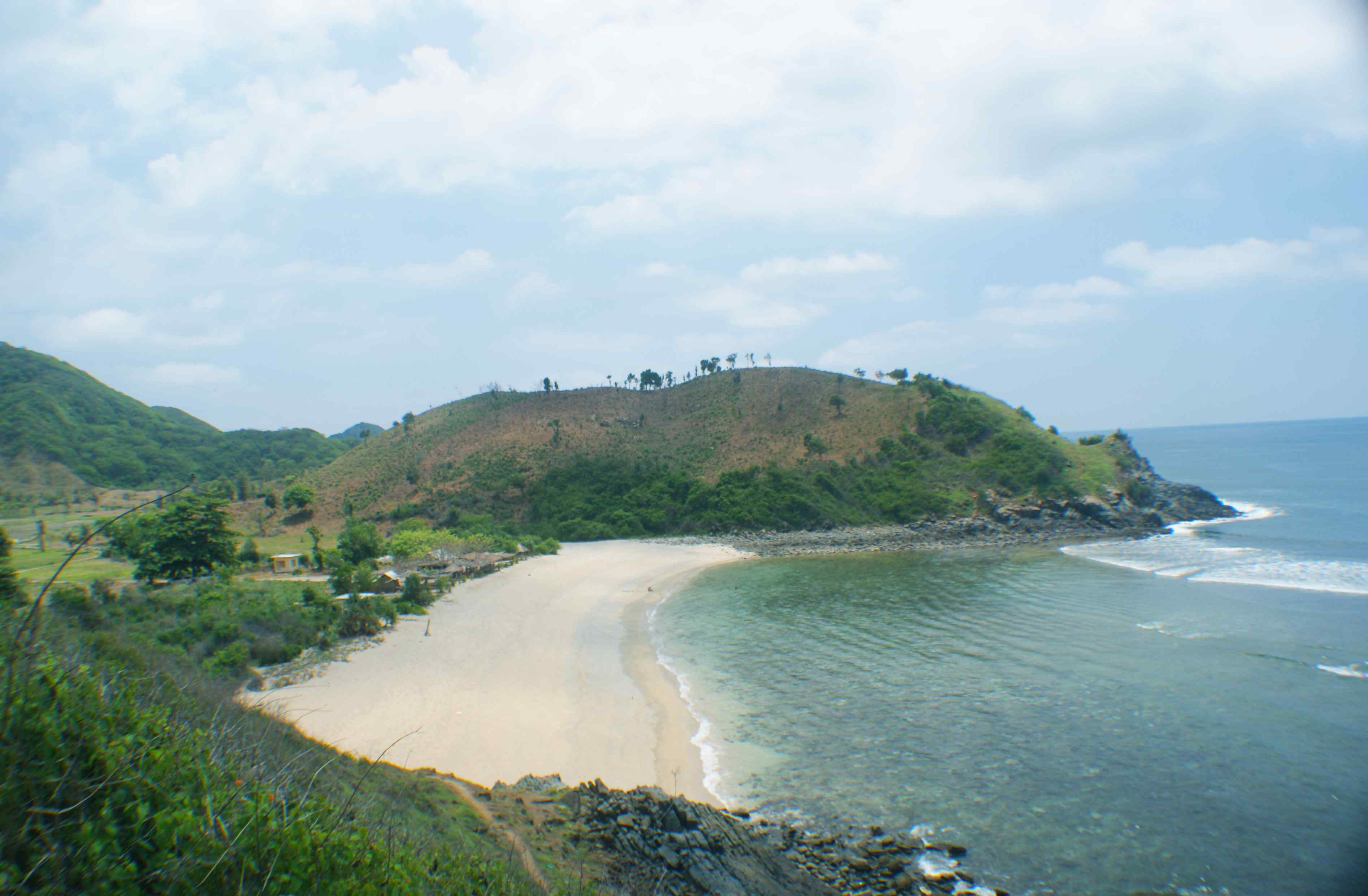 Click to enlarge image South_Lombok_Mawi_Beachfront_5.jpg