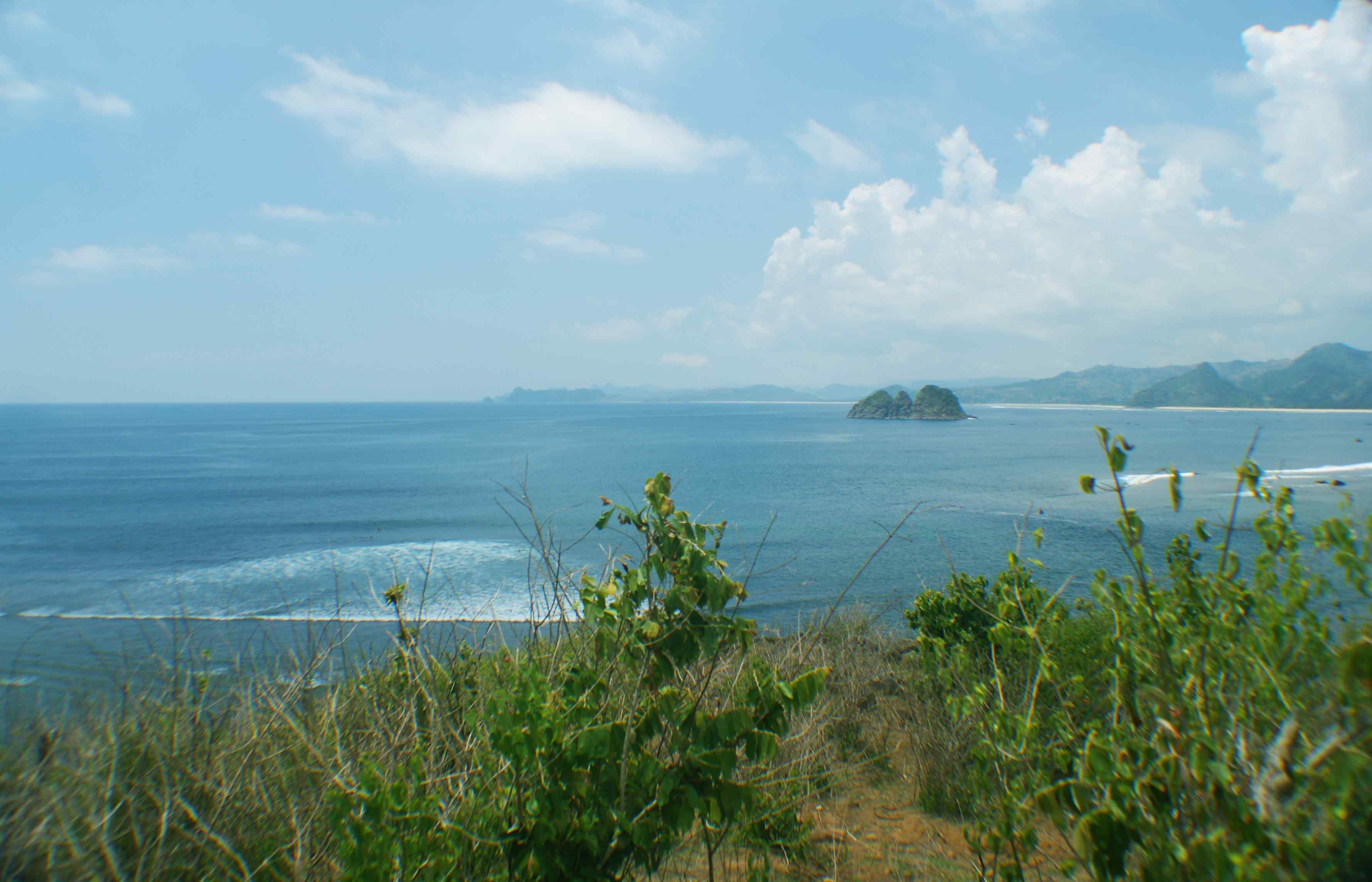 Click to enlarge image South_Lombok_Mawi_Beachfront_6.jpg