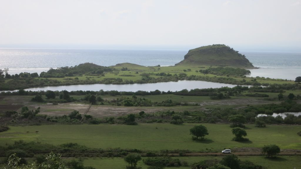Click to enlarge image Kertasari_Hill_and Flat_land_property_sumbawa_7_ha4.JPG