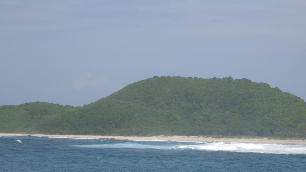 Click to enlarge image Kertasari_white Beachfront_Sumbawa5.JPG