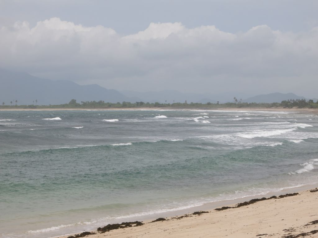 Click to enlarge image Lakay_Beach_Surfing_Hotspot_0.65ha3.JPG