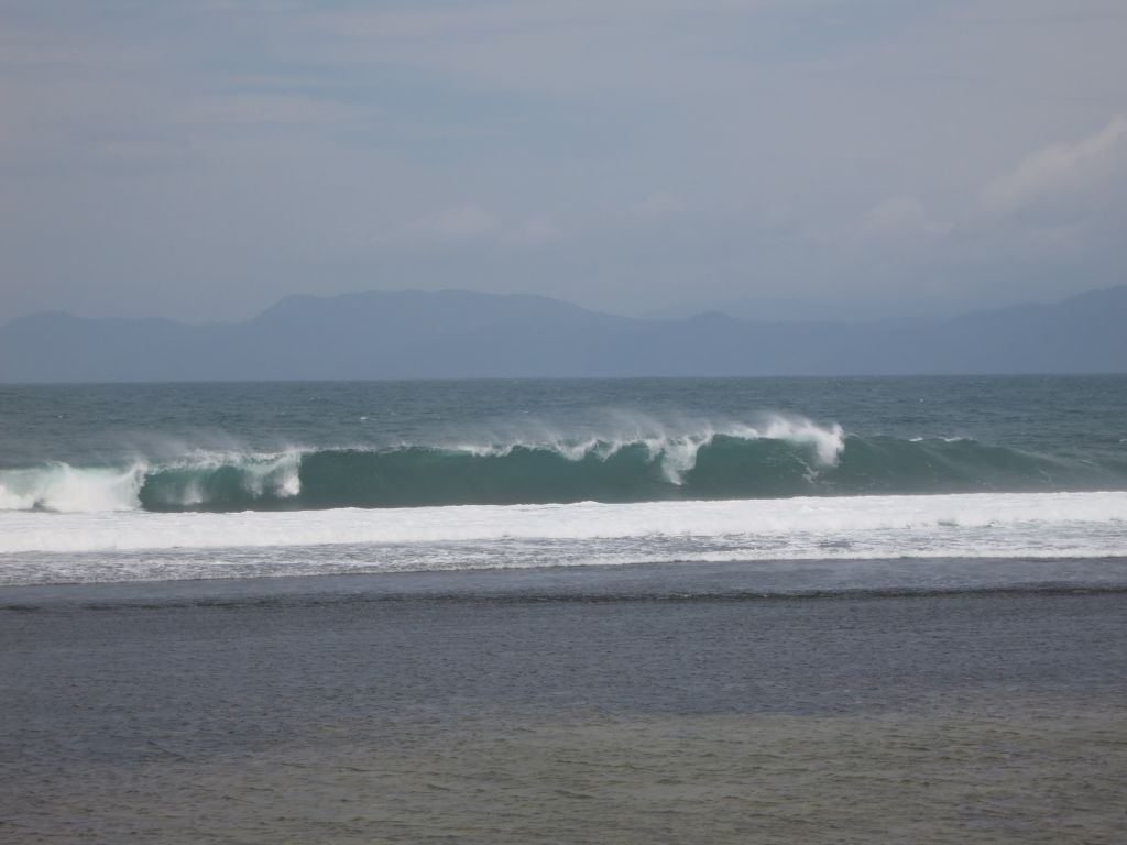 Click to enlarge image Lakay_Beachfront_Surfing_Hotspot_sumbawa_0.86 ha1.JPG