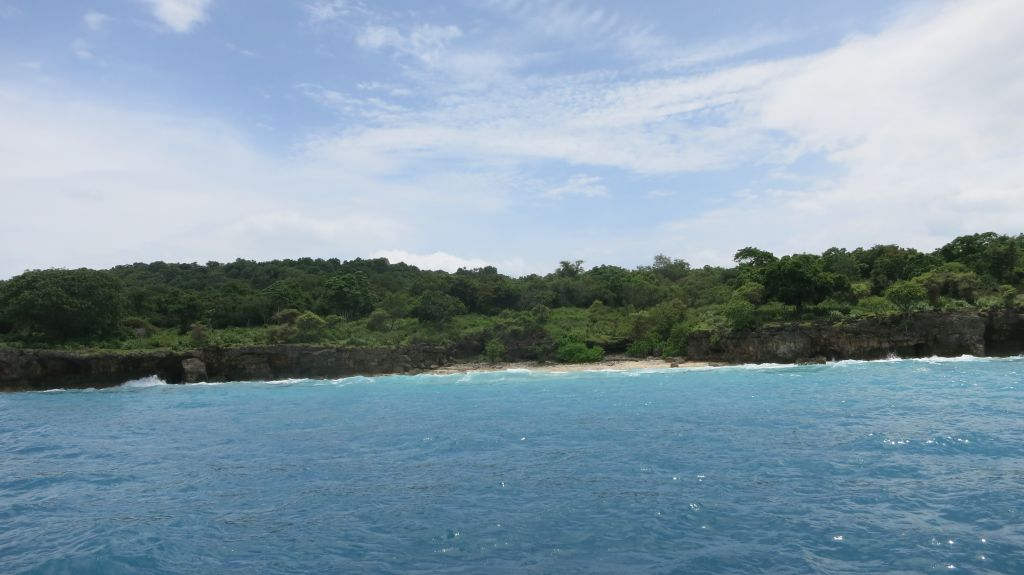Click to enlarge image Pulau_Moyo_Amanwana_3.5ha_private_Bay_Sumbawa2.JPG
