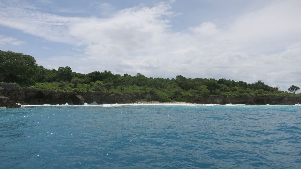 Click to enlarge image Pulau_Moyo_Amanwana_3.5ha_private_Bay_Sumbawa4.JPG