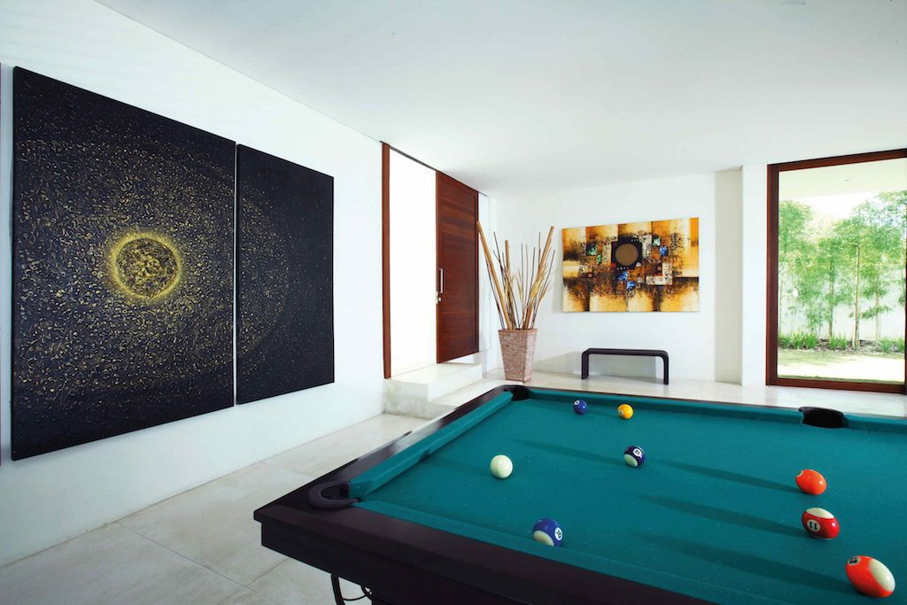 Click to enlarge image 13-billiard.jpg