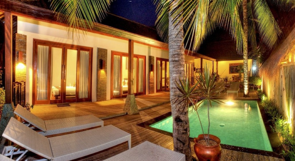 Click to enlarge image 1_Gili_Trawangan_Hotel_for_sale_4_beedroom_villa3.jpg