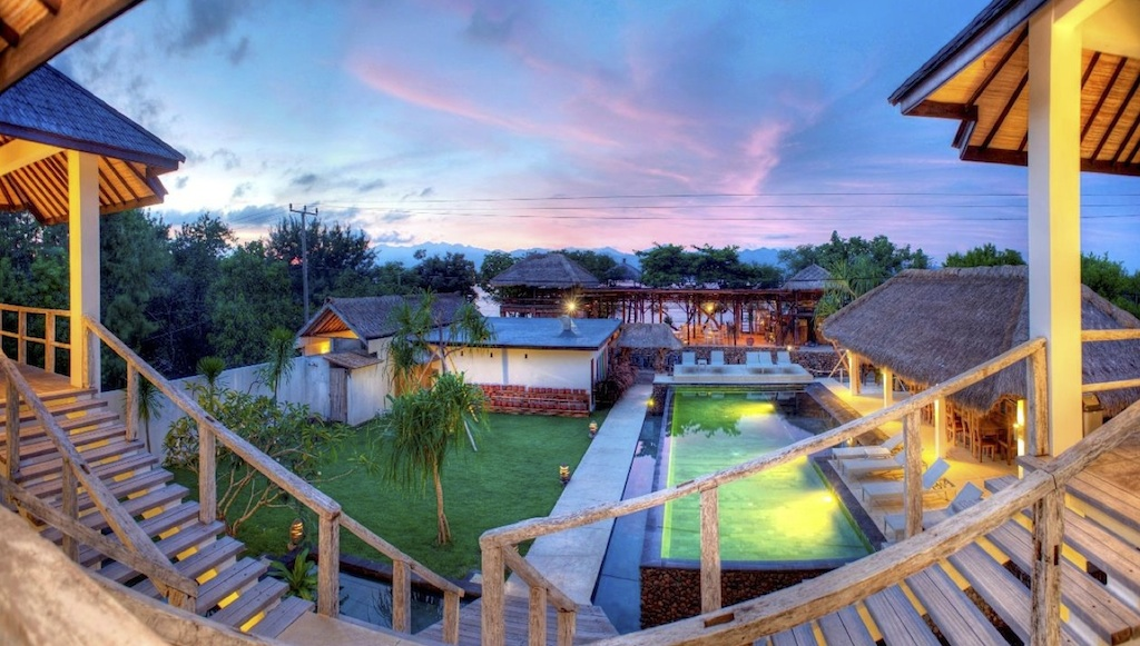 Click to enlarge image 4_Gili_Trawangan_Hotel_for_sale_deluxe_room3.jpg