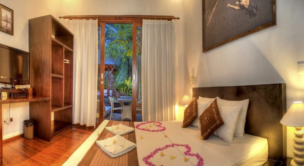 Click to enlarge image 5_Gili_Trawangan_Hotel_for_sale_2_beedroom_villa.jpg