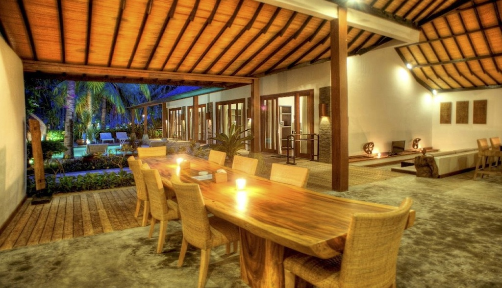 Click to enlarge image 8_Gili_Trawangan_Hotel_for_sale_4_bedroom_villa.jpg